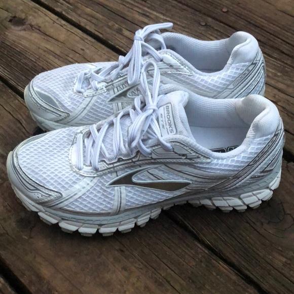 cd7555e459f Brooks Shoes - Brooks tennis shoes ⭐️